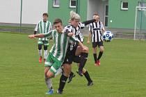 KP dorostu,TJ Slavoj Hrdějovice (v bílozeleném) – FK Spartak Kaplice + V. Brod 4:2 (4:1).