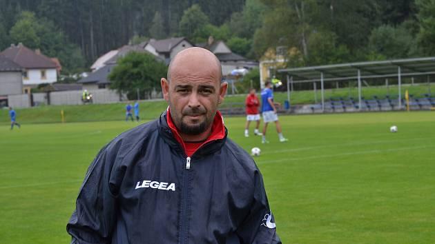 Nový loučovický trenér Vlastimil Sulzer (na snímku) má za sebou vítěznou premiéru na lavičce Vltavanu.