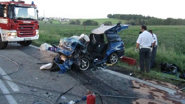 Při tragické nehodě zemřely v pondělí před 18. hodinou u Velešína tři osoby.