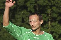 Exkrumlovský David Benc (na snímku ještě v barvách Slavoje) první trefou za Spartak zachoval našemu týmu naději na záchranu krajského přeboru.