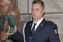 Miroslav Kropáček dostal cenu za hrdinný zásah u benzinové pumpy.