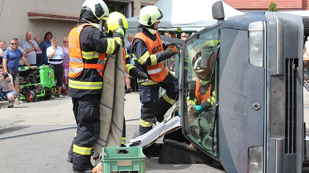 Oslava výročí 110 let holubovského hasičského sboru
