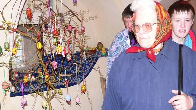 V galerii v bývalém velešínském pivovaru jsou k vidění velikonoční dílka místních občanů.