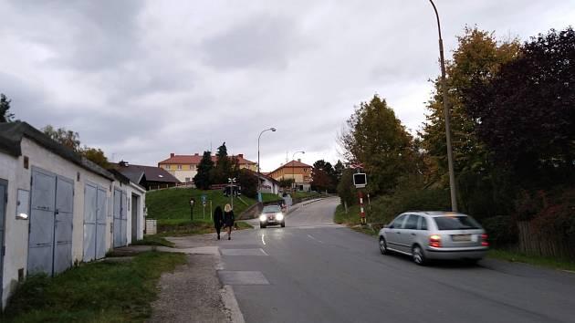 Železniční přejezd v krumlovské Vyšenské ulici.