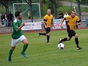 Divize A - 2. kolo: FK Slavoj Český Krumlov (zelené dresy) - FK Olympie Březová 3:0 (1:0).