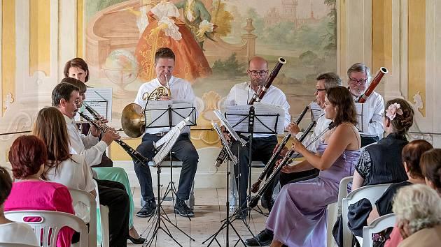 Koncert Harmonie Mozartiana Pragensis v zámecké Bellarii.