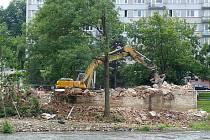 Bourání bývalé čističky odpadních vod dřívější Spirovy papírny na Plešivci