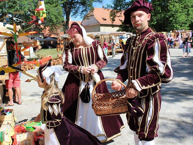 Český Krumlov už se brzy oblékne do kostýmů.