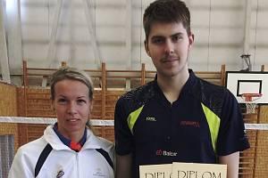 Hana Milisová a Jaromír Janáček mají důvod k úsměvu, protože z celostátního turnaje v Liberci odjížděli s bohatou medailovou kolekcí.