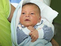 Vojtěch Klement přišel na svět 5. října 2010 šest minut před šestou hodinou ranní, měřil 52 centimetrů a vážil 3970 gramů. Druhý syn Jindřišky a Jana Klementových z Brloha už má doma tříletého brášku Honzíka.