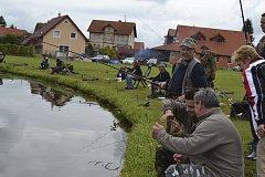Rybářské závody v Holubově.