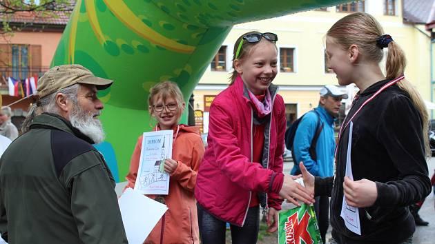 Běžecké závody Frymburská desítka a májové kolo si užili děti i dospělí.