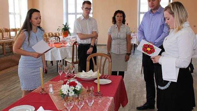 Závěrečné praktické zkoušky na Středním odborném učilišti v Kaplici obor kuchař-číšník.