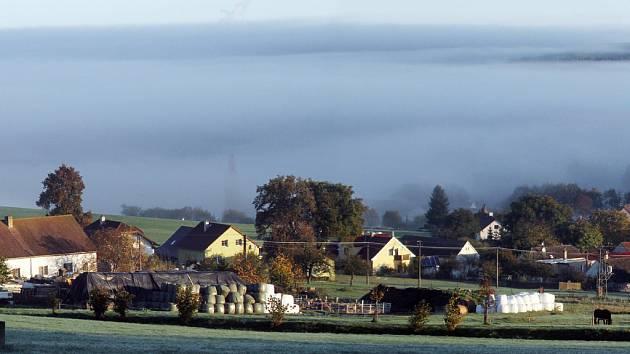 Mlha u Třísova.
