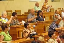 Vyšebrodští senioři v senátu.