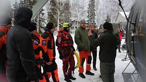 Výcvik záchrany z ledu vrtulníkem