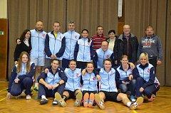 Na historicky první ligové výhře badmintonistů Sokola Křemže se podílel i široký realizační tým a početná skupina fanoušků.