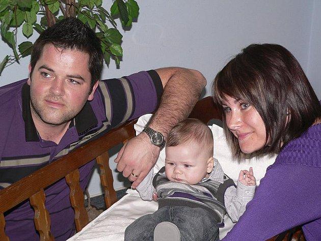 Jana a Bohuslav Feslovi se radují z pětiměsíčního Bohuslava mladšího.
