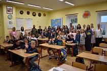 V Zubčicích školní rok zahájili v učebně, kde proběhla rekonstrukce stropu a bylo instalované nové osvětlení třídy.