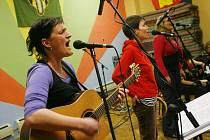 Folklórní kapela Lakomá Barka