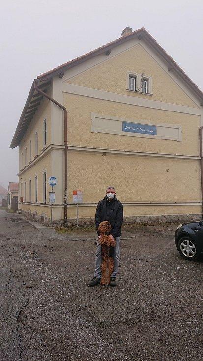 Karel Havlíček vyrazil na výlet na jižní Čechy. Fotky si dal na twitter.