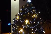 Vánoční strom ve Velešíně.