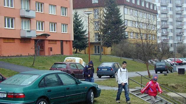 Českokrumlovské sídliště Za nádražím připravuje regeneraci. Plochy mezi  paneláky čeká zásadní rekonstrukce.
