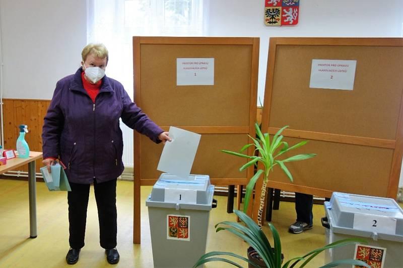 V pátek 8. října se otevřela volební místnost také v Loučovicích.
