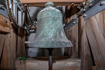 Na památku obětí koronaviru vyzváněly zvony po celém kraji. Snímek je ze Světíku.