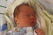 Váhou 3100 gramů se mohl po narození pochlubit Jakub Studený. Svým příchodem na svět se rozhodl chlapeček překvapit vsobotu 24. ledna 2015 v19 hodin a 13 minut. Rodiči malého Kubíka jsou Zdenka Kaupová a Petr Studený zHubenova.