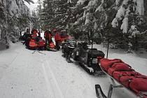 Resuscitace neznámého lyžaře na Šumavě.
