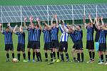 I.A třída (skupina B) - 21. kolo: FC Velešín (modročerné dresy) - SK Větřní 3:1 (0:0).