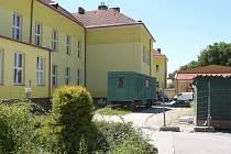 Chvalšinská základní škola.