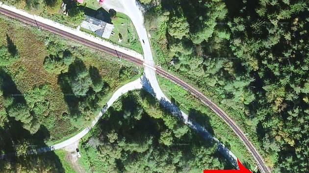 Mnozí řidiči ani netuší, že u Čertovky jezdí po mostě. Zdroj: mapy.cz