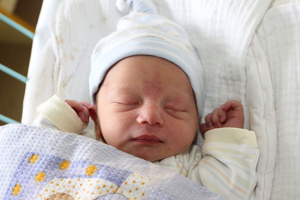 Dvouletý Ríša má od čtvrtka 20. prosince 2018 mladšího brášku. Adam Libra se narodil v 9:30 hodin, měřil 49 centimetrů a vážil 2 640 gramů. Partneři Hana Valíčková a Richard Libra vychovávají obě své děti na Holkově.