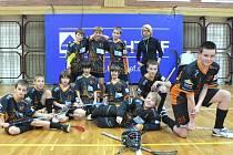 Družstvo mladších žáků FBC DDM Český Krumlov, které na novoročnímu turnaji v krajské metropoli vybojovalo cenné druhé místo.