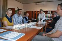 Jednání na Obecním úřadě v Dolním Třeboníně ohledně projektu Jogurty pro zdraví dětí.