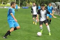 Fotbalisté Kájova (v modrém) podlehli na půdě kaplického béčka 1:3.