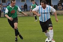 V minulém ročníku, který pro oba okresní zástupce od Lipna skončil sestupem z I. A třídy, se fotbalisté hornoplánské Smrčiny a frymburského FC Šumava v obou prestižních vzájemných soubojích rozešli po bezbrankových výsledcích smírně.