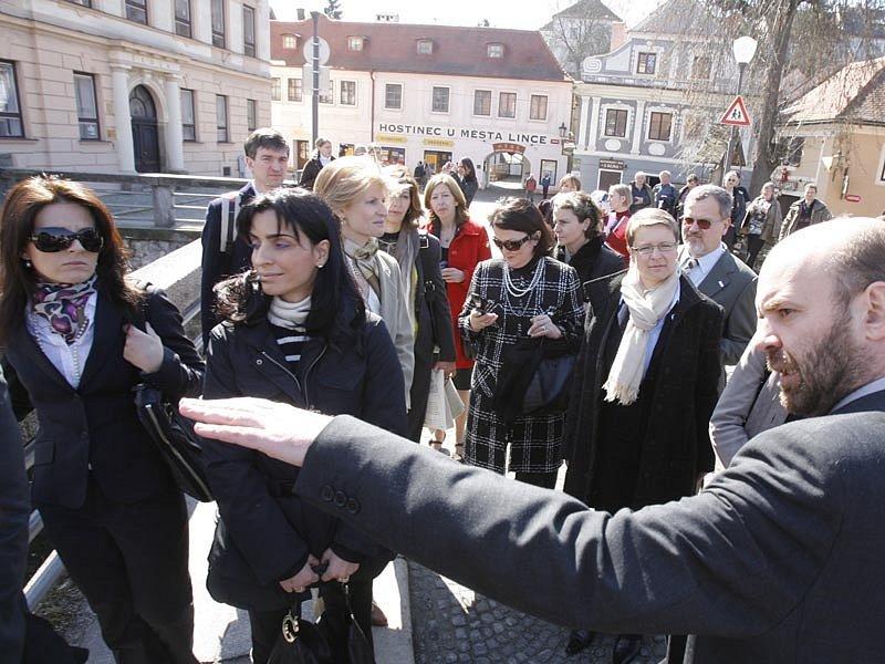 Město Český Krumlov chotím ministrů učaroval.