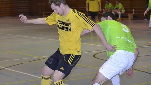 Jedním z šesti statečných Bombarďáků při těžkých zápasech s favority v bohunické sportovní hale byl Petr Bordač (vlevo), který proti Zlínu vyrovnával na 1:1.