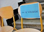 V Kájově odevzdalo zhruba hodinu před uzavřením volebních místností svůj hlas zhruba 60 procent Kájovských.
