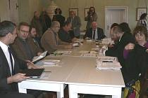 Jednání o budoucnosti otáčivého hlediště v Mincovně krumlovského zámku.