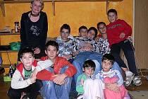 Blanka Kolková s dětmi z hornoplánského dětského domova.