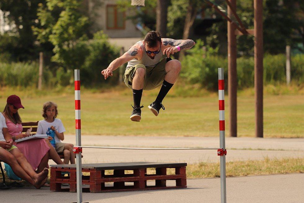 Absolutní vítěz následných závodů v Kaplickém skateparku. Zlatý hatrick vybojoval Martin HUBY Hubený. Kategorie: Hippie jump, Ollie contest a královská disciplína Best trick.
