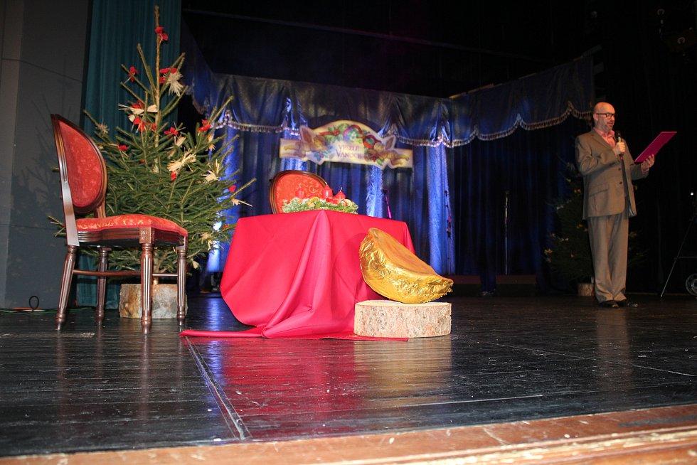 Natáčení Krumlovského adventu v českokrumlovském Městském divadle.