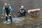 První ročník Aqua pílinku uspořádali členové Sportovního potápěčského klubu Kalmar ve Velešíně.