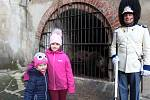 Přes tisíc lidí přilákaly Medvědí Vánoce na krumlovském zámku.