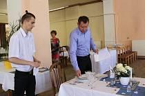 Slovanský dům i nadále zůstane v pronájmu kaplické střední školy.
