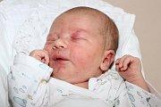 Simona Benešová a Patrik Gondek zHořic na Šumavě se 4. srpna 2016 stali novopečenými rodiči. Společně byli u toho, když se jim ten den deset minut po 18. hodině narodil 51 centimetrů měřící a 3675 gramů vážící Daniel Gondek.